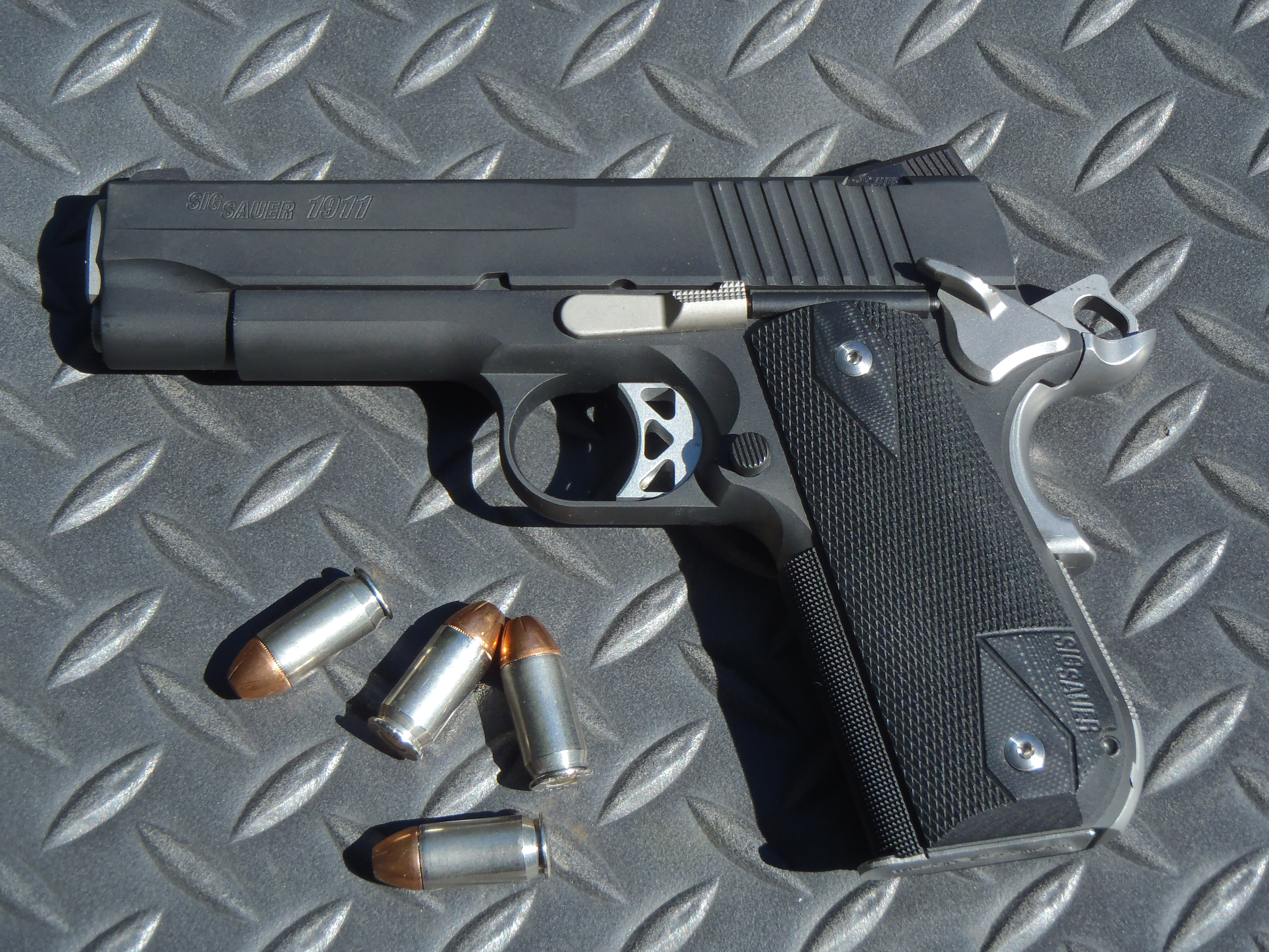 Sig 1911, Sig sauer and The zombies on Pinterest